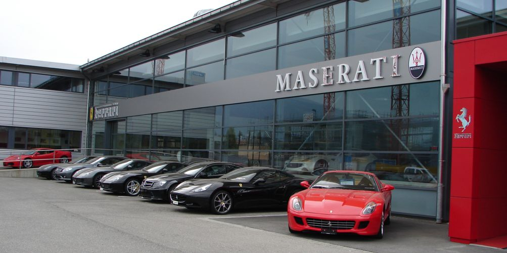 Modena cars sa gen ve garage ferrari maserati auto2day for Comment acheter une voiture d occasion dans un garage