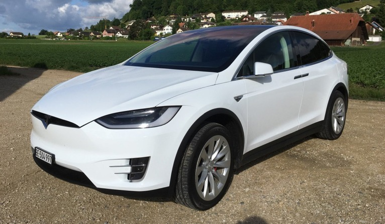tesla model x 100d 2017 avis sur ce nouveau suv auto2day. Black Bedroom Furniture Sets. Home Design Ideas